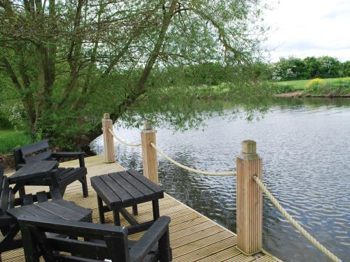 The Waters Edge Guest House River Avon view