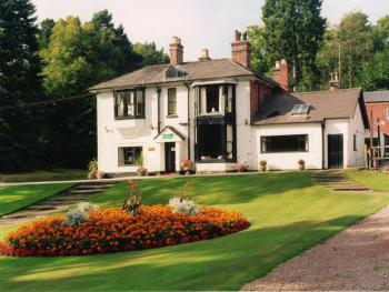 Old Rose and Crown Hotel -