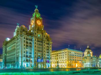 Liverpool City Prestige Appt Sleeps 8 -