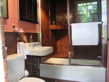 Bathroom - Suite 1, the Victorian