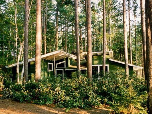 Hermits Hut -- Lake View