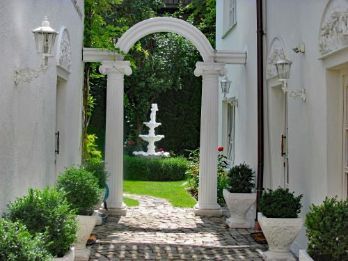 Arcade Eingang zum Garten