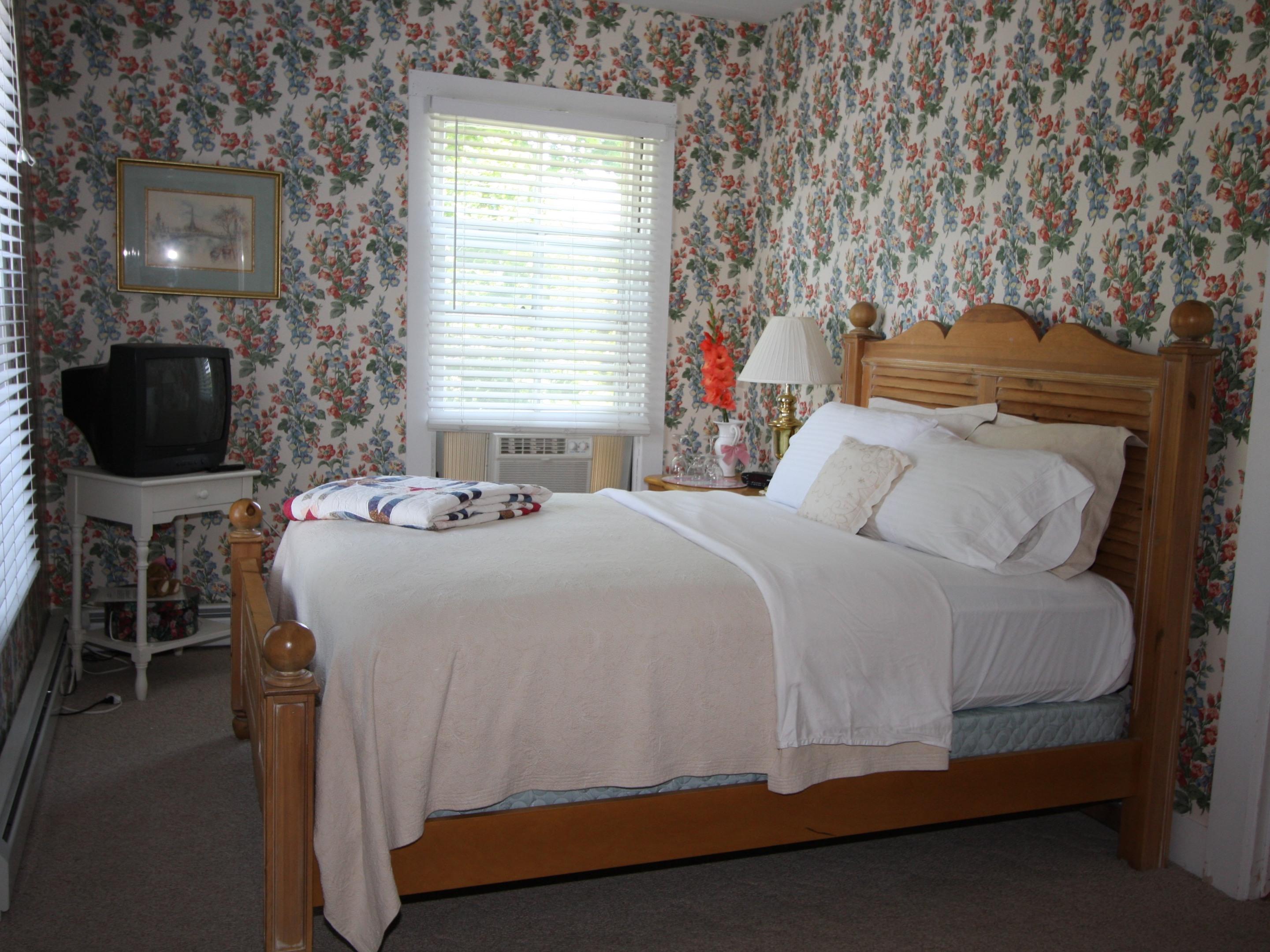 Norway Maple Room