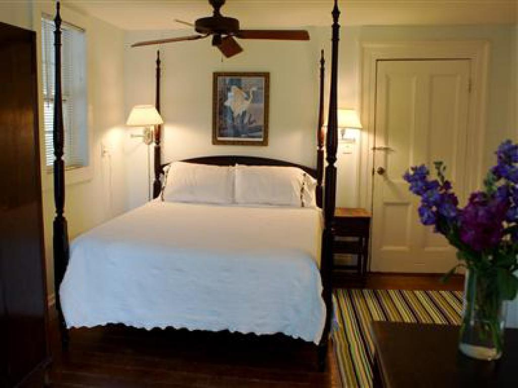 Quad room-Ensuite-Standard-Partial Ocean View-Room 2