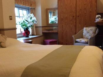 Double room-Ensuite-Breakfast Included - Base Rate