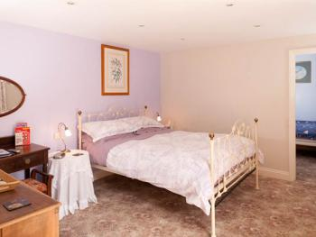 Ground Floor En-suite Family Suite with Kingsize Double Room, Twin Room and En-suite Shower Room