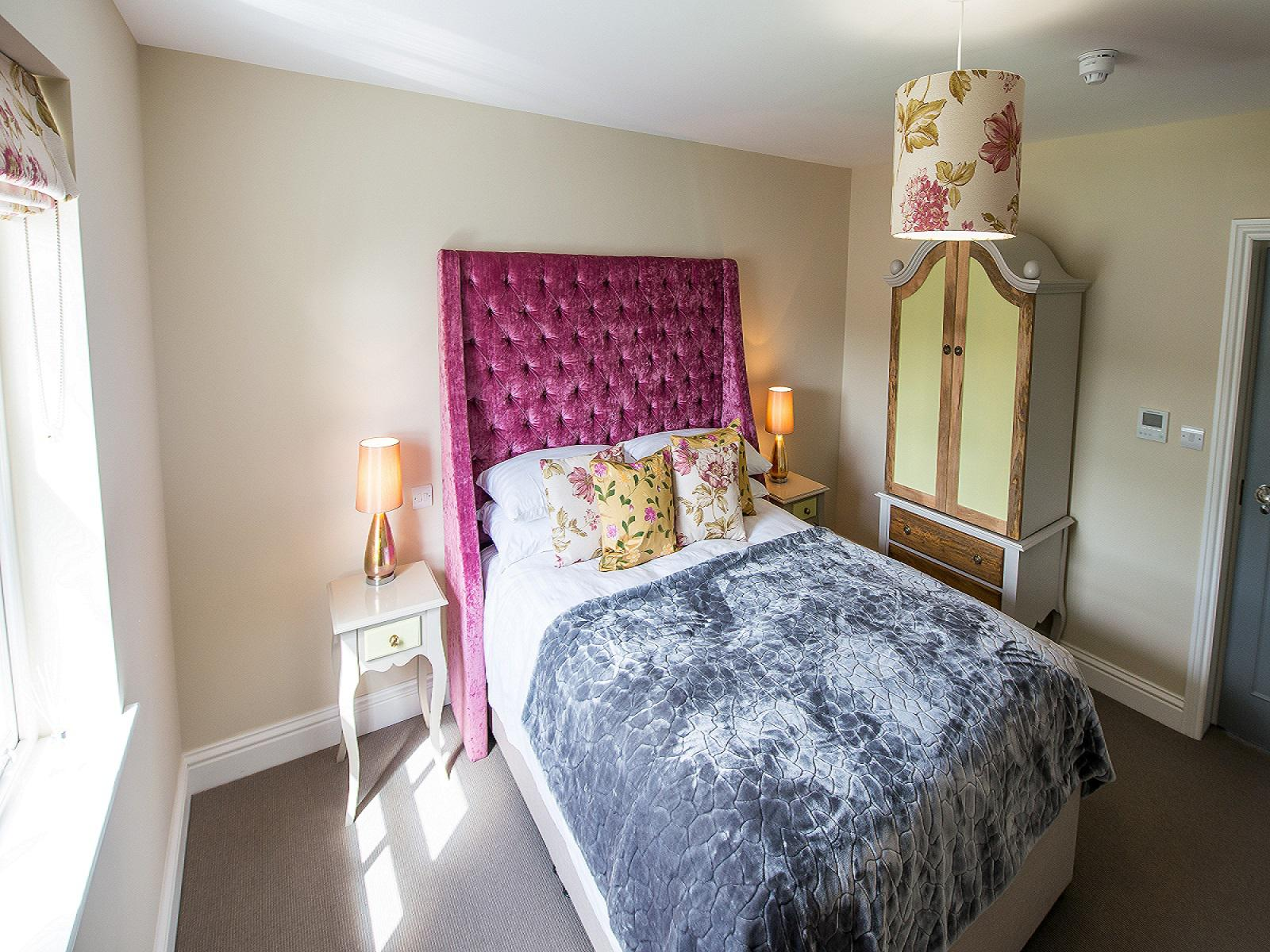 Double room-Standard-Ensuite-Broads View