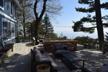 Front deck sitting area overlooking Lake Michigan