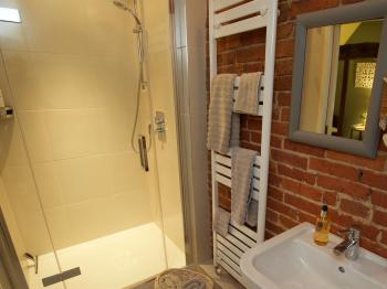 The Hayloft ensuite shower