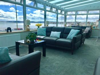 Channel View Boutique Hotel - Why not relax in our stunning new conservatory?