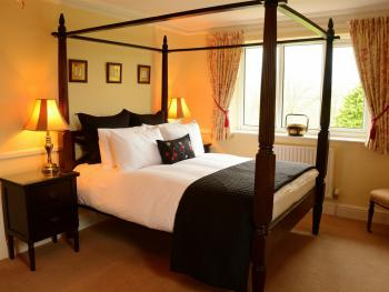 First Floor Luxury Four Poster Suite