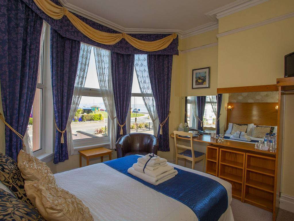 Double room-Superior-Ensuite-Sea View-ground floor - Base Rate