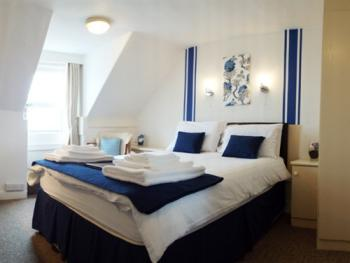Double room-Ensuite-Sea View-Room 12 - Base Rate
