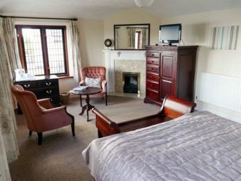 King-Suite-Ensuite-Sea View
