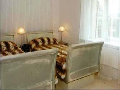 Twin room-Ensuite-The Chopin Room