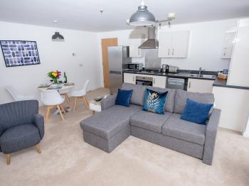 Beautiful city centre serviced apartment - Living room
