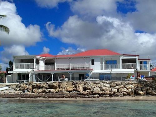 Vue de l'hôtel depuis la mer
