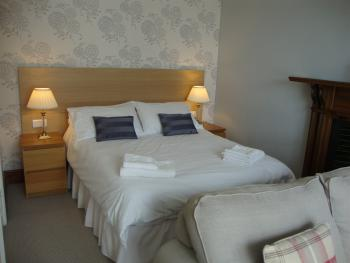 Double room-Comfort-Ensuite with Shower-Partial sea view-Room 2