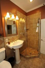 Alixis room bathroom 1
