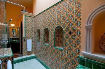 Mata Ortiz Room Bathroom