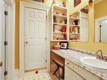 Hail Britannia Suite bathroom