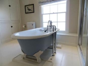 Brunyee Bathroom