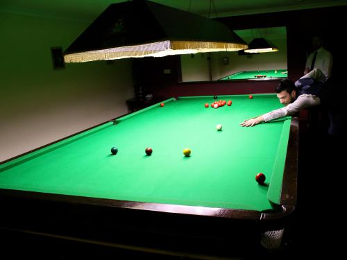 Snooker table (Small Supplement)