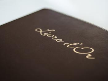 Le Livre d'Or tant apprécié qui fait la différence avec ses histoires, ses dessins...
