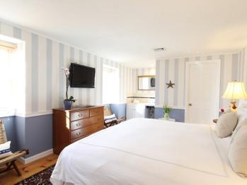 Oak Bluffs Suite