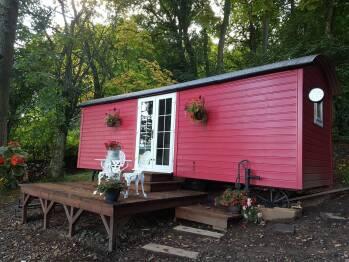 Borthwickbrae Shepherd's Hut -