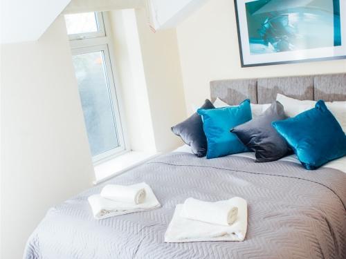 Flat - 4 Bedroom 1