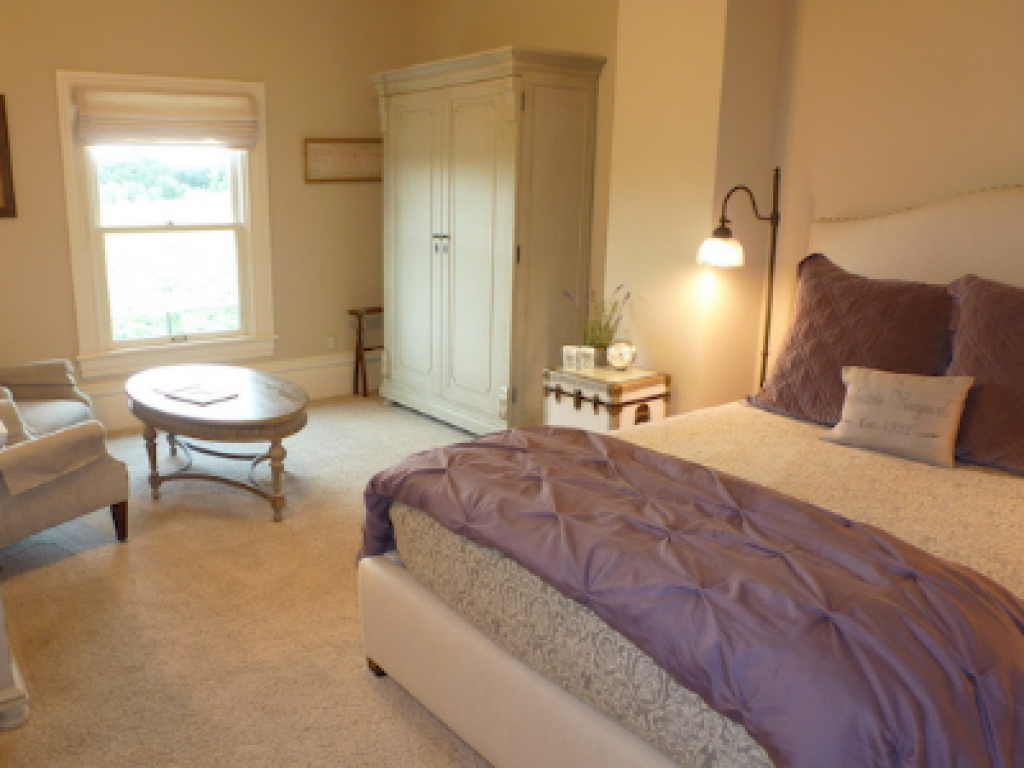 Queen-Ensuite with Shower-Standard-Vineyard view-Emma Room - Base Rate