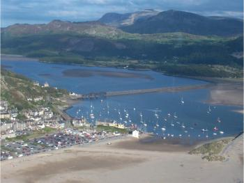 Sunray Guest House - Barmouth and estuary