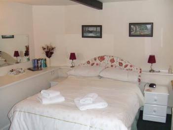 Double room-Standard-Ensuite with Shower-Ground Floor