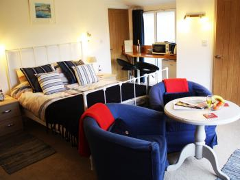 Riverside House - Bedroom