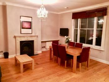 2 Bed Earls Court HFS14 -