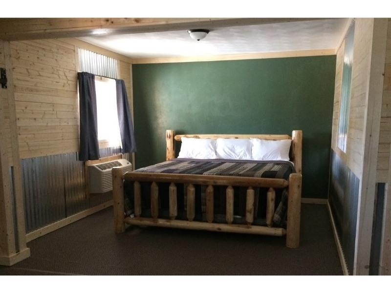 King-Ensuite-Standard-King Suite - Base Rate