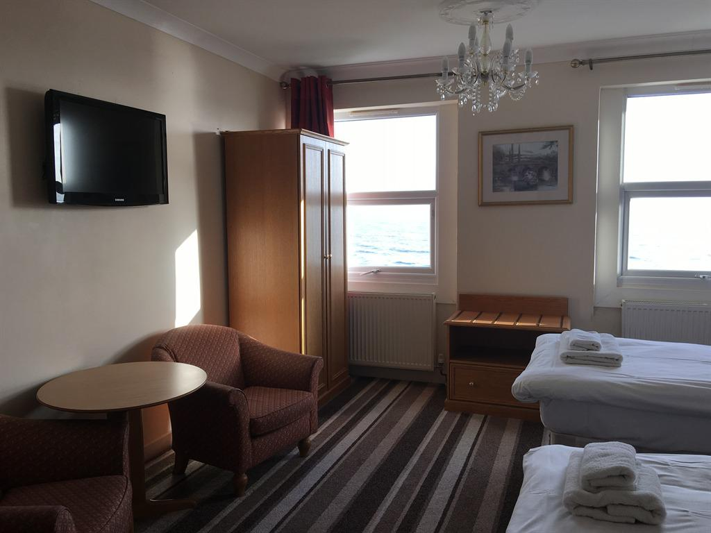 Twin room-Ensuite-Sea View - Twin room-Ensuite-Sea View