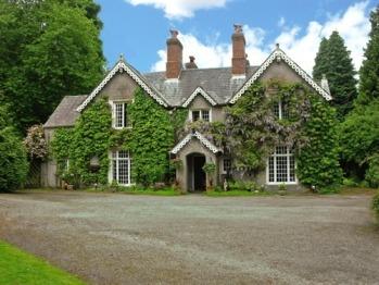 Plas Derwen Country House -