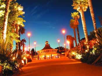 Take an evening stroll through Bournemouth Gardens