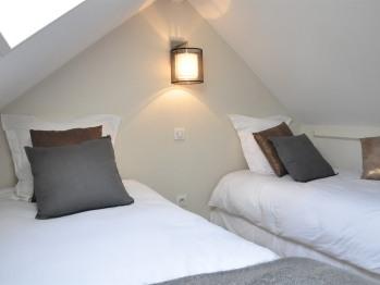 appartement 2 - 2 lits individuels taille adulte en mezzanine
