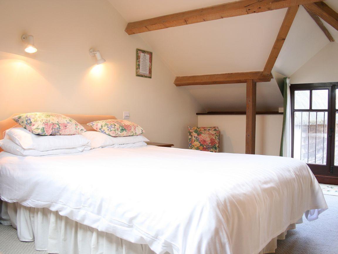 Cottage-3 - 3 Bedroom-Wet room