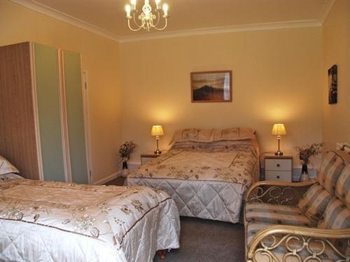 Oak Rooms Chalet