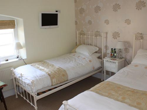 Twin room-Ensuite-Gold