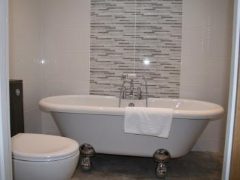 A typical bathroom in a Selby Superior