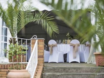 Terrasse mit Hochzeit