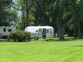 RV or Camper Site -Motor Home-Shared Bathroom-Standard-Lake View