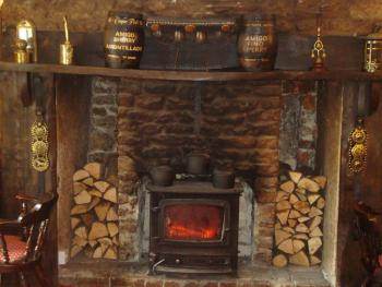 Log fire place