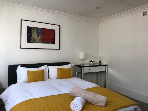 main en suit bedroom