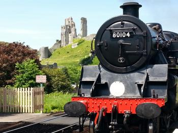 Stream train at corfe castle coming back to Swanage